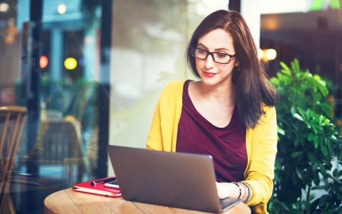 5 Major Reasons to Study Online (Vs. in Person)